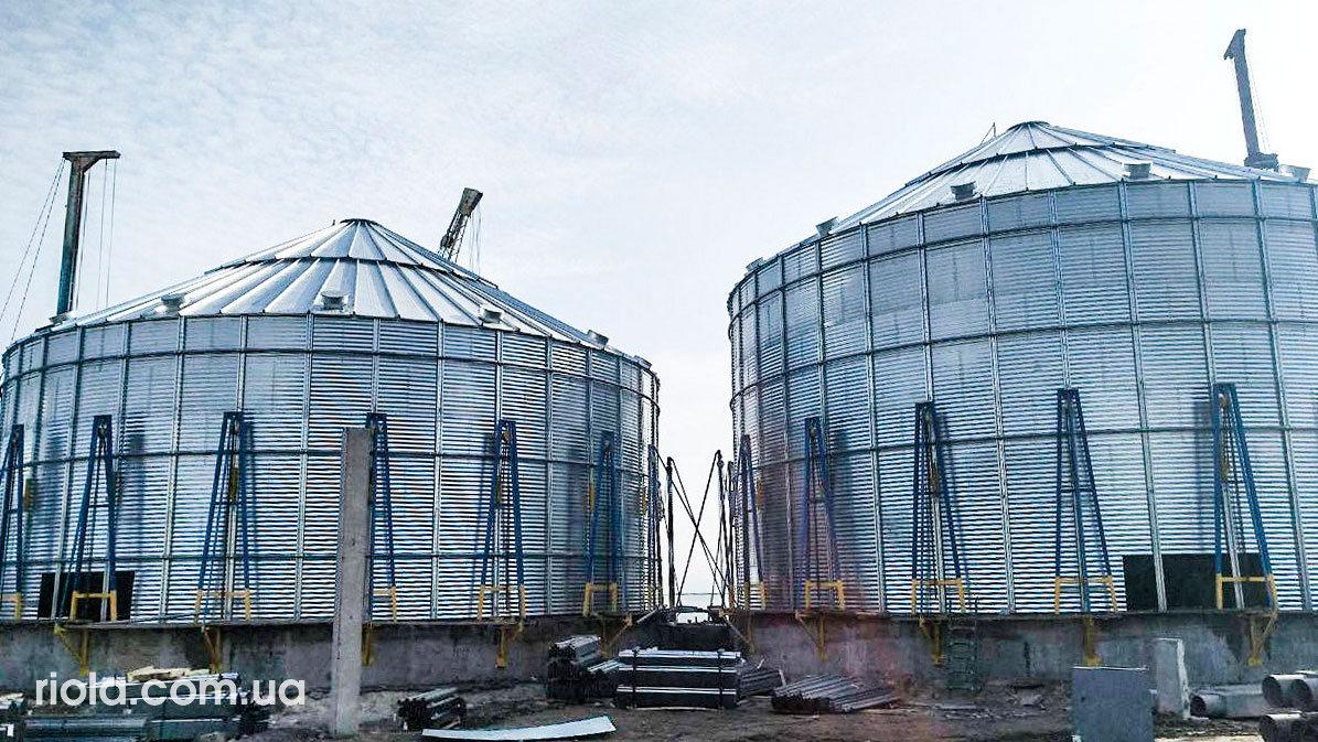 Зерновой терминал на территории порта. Строительная компания «Riola»