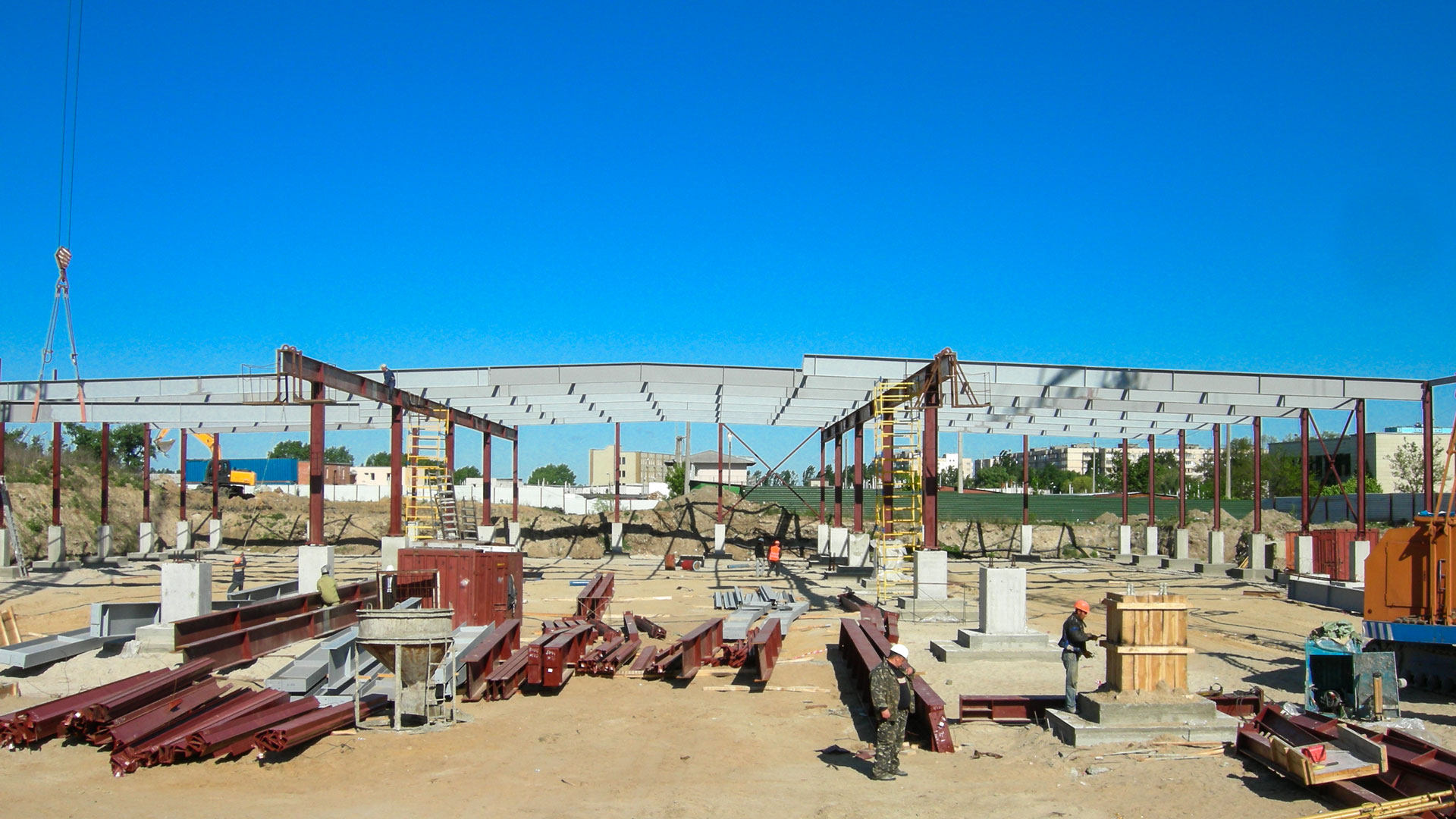 Сеть гипермаркетов «NOVUS» - Строительная компания «Riola»