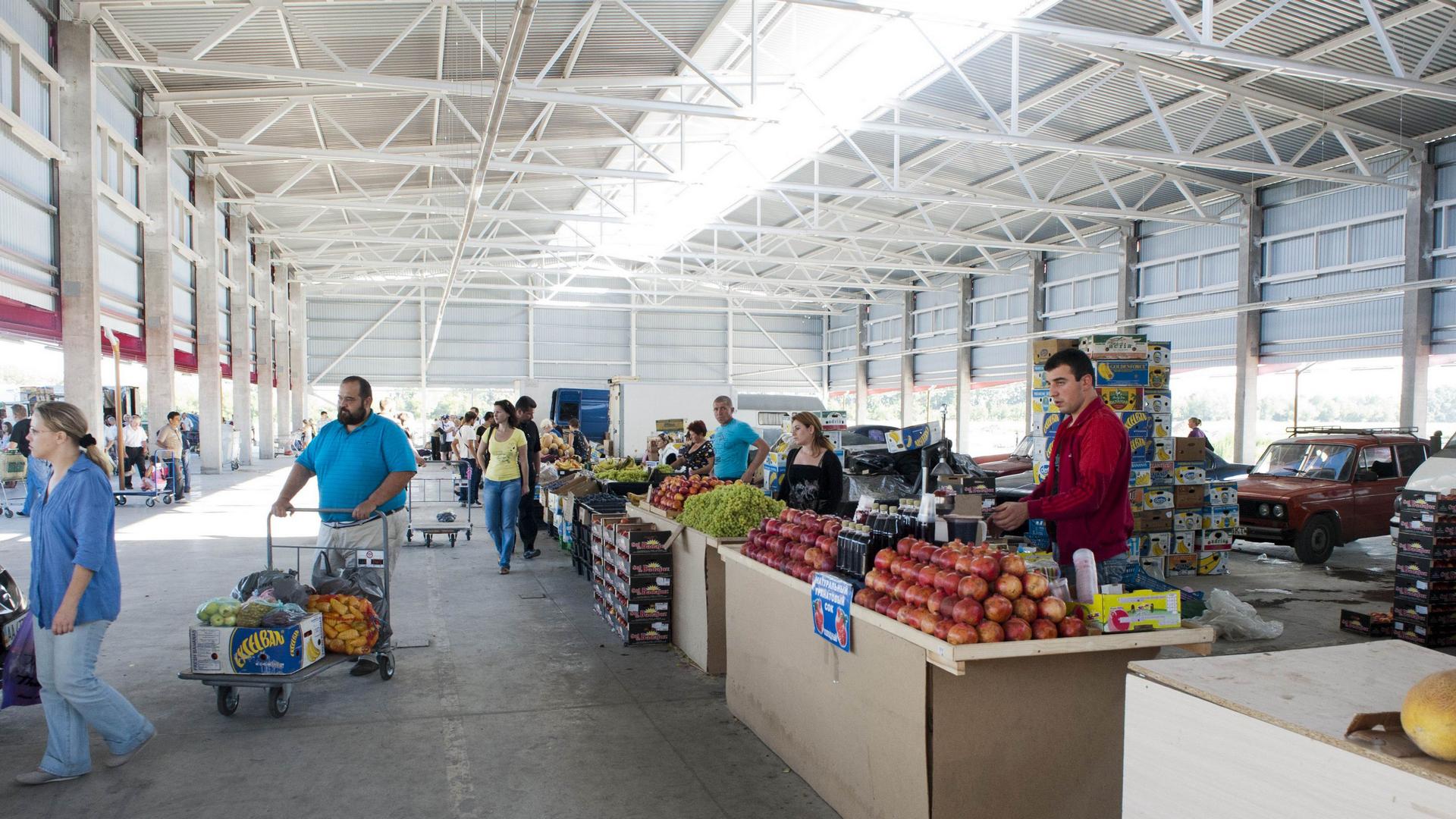 Оптовый рынок «Столичный» - Строительная компания «Riola»